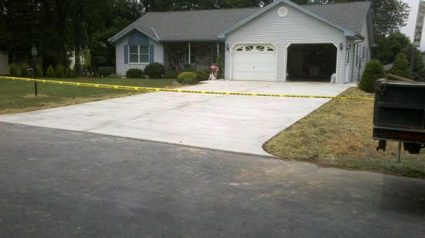Restuccia Excavating Concrete Driveway 2
