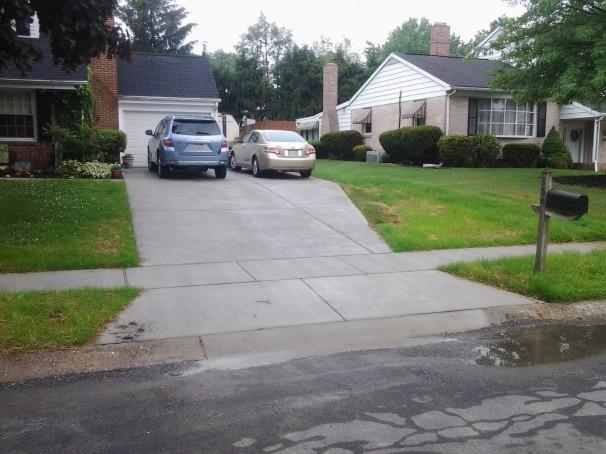 Restuccia Excavating concrete driveway